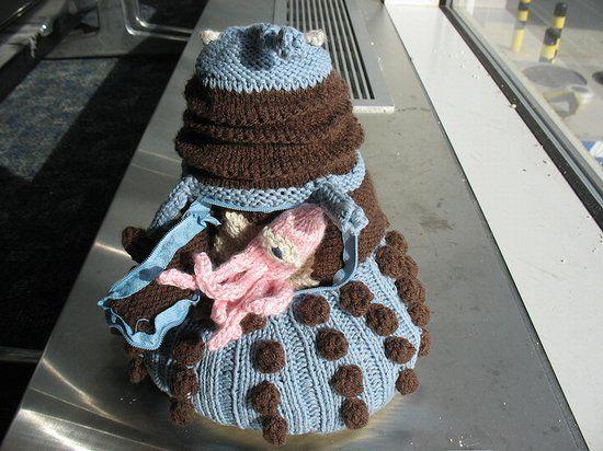 Knitted Dalek!