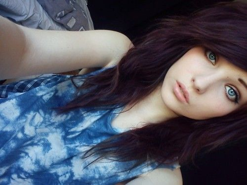 i am thinking about getting my hair cut like this......do you guys think it would look good on...my face..