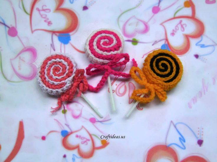 crochet sweet lollipop: Crafts For Kids, Christmas Crochet Deco Crafts, Sweet Lollipops, Crafts Idea, Crochet Crafts, Lollipops Tutorials, Crochet Sweet, Www Craftidea Us, Craft Ideas