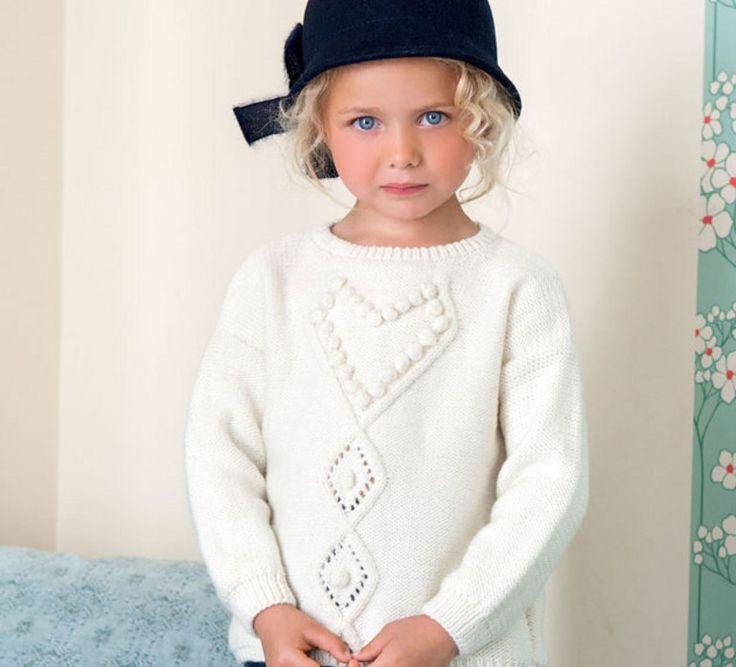 Ce modèle de pull fantaisie au reflet du chic à la française tricoté en' laine partner 3.5 ' est réalisé en jersey et point fantaisie. Ce petit pull sera parfait pour un ensemble très simple et agréable à porter. Modèle tricot n°08 du catalogue N° 112 : Bébés et enfants - Automne/Hiver 2014