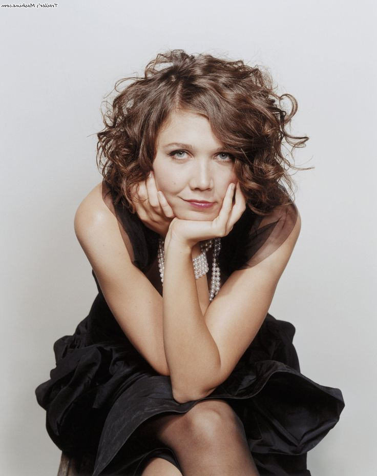 Maggie Gyllenhaal Hairstyles And Haircuts 10 Curly Hair