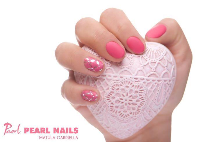Felhasznált anyagok/Nails made with: 044 PearLac Matte One Step Color gél lakk, Silver Chrome Powder. #pearlnails #nailstagram #nails #műköröm #pinknails #géllakk #gellac