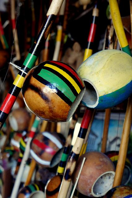 ☂tem de tudo - Brasil:  Ao som do Berimbau!