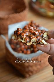 Ampyang kacang jahe (from Diah Didi's Kitchen)