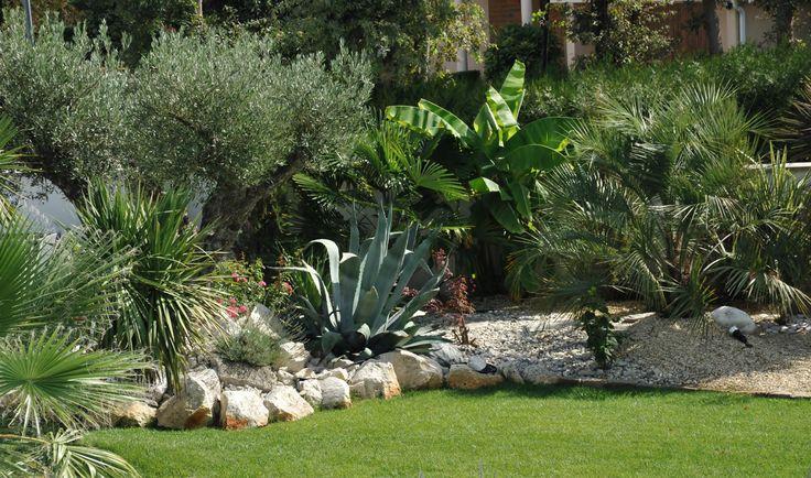 parcs et jardins gourdon paysagiste bordeaux massifs. Black Bedroom Furniture Sets. Home Design Ideas