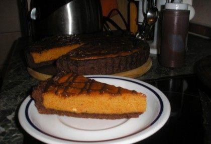 Csokoládés sütőtökös pite recept képpel. Hozzávalók és az elkészítés részletes leírása. A csokoládés sütőtökös pite elkészítési ideje: 65 perc
