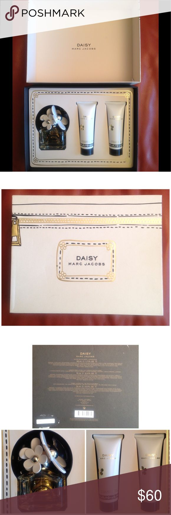 Marc Jacobs DAISY Perfume Set Brand New. Perfume set. Contains Eau De Toilette 1.7FL Oz Perfume. 2.5oz Luminous Body Lotion. 2.5oz Bubbly Shower Gel. This perfume smells delicious you will love it! 😍 Marc Jacobs Makeup