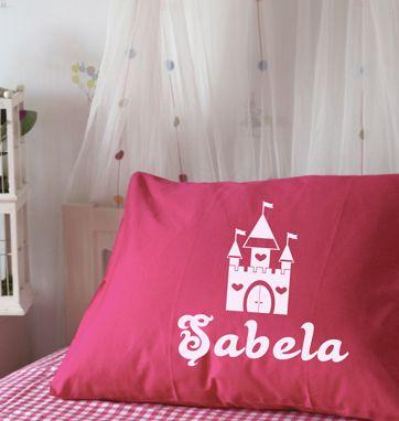 Funda 100% algodón personalizable como tu quieras. Perfecta para decorar su habitación.