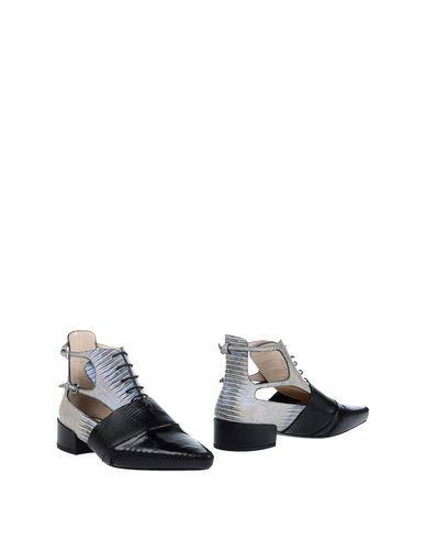 DIOR . #dior #shoes #полусапоги и высокие ботинки
