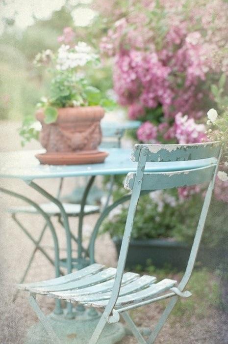 Shabby chic, chippy outdoor garden dining