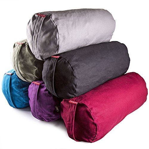 An easy tutorial on how to make your own yoga bolster.