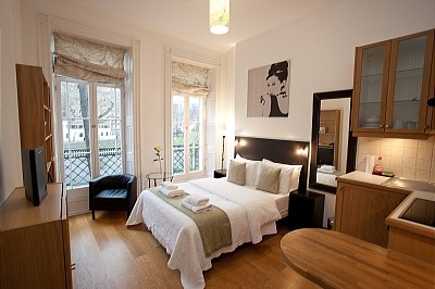 Kensington serviced apartments London offered by Presidential Apartments are fully furnished and come with the most useful and relaxing amenities that anyone can think of. As a privately owned company, its aim is to make sure that all their luxury properties satisfy their occupants.