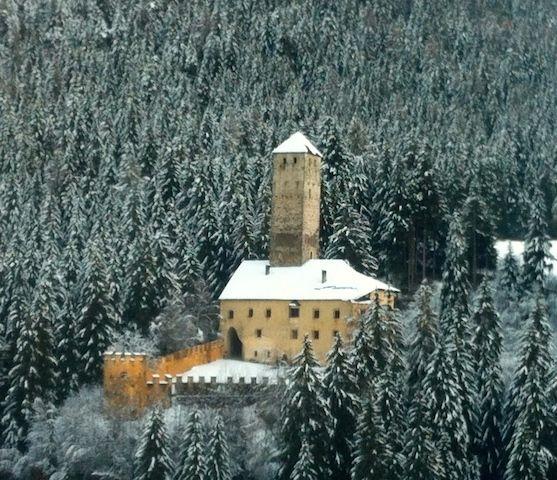 In Val Casies. Guida multi-touch sulla Cenerentola del Tirolo.
