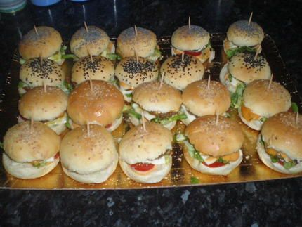 best 25 mini hamburgers ideas on pinterest mini burgers bacon on a stick and party food. Black Bedroom Furniture Sets. Home Design Ideas