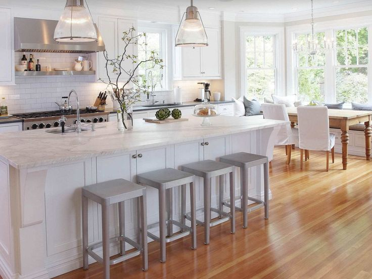 Best Crisp And Bright From Houzz Classical Kitchen 400 x 300