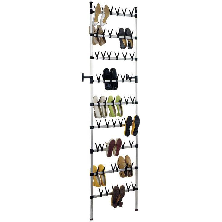 Met behulp van dit schitterende schoenenrek van de duitse fabrikant RUCObergt u tot wel 54 paar schoenen probleemloos op.  Afmetingen: 65 x 250 tot 300 x 21.5 cm (breedte, hoogte, diepte). Net te hoog of te breed?Het rek is zowel in de hoogte als breedte aan te passen. Hiervoor dienen slechts de aluminium buizen met een ijzerzaag even ingekort te worden.  <strong>Inclusief 21% BTW en exclusief 2,95 euro verzendkosten.</strong>