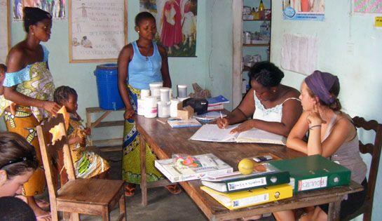 Urgence Afrique souhaite construire un nouveau centre de santé sur pilotis afin qu'il puisse échapper aux crues annuelles. #benin #togbota #action