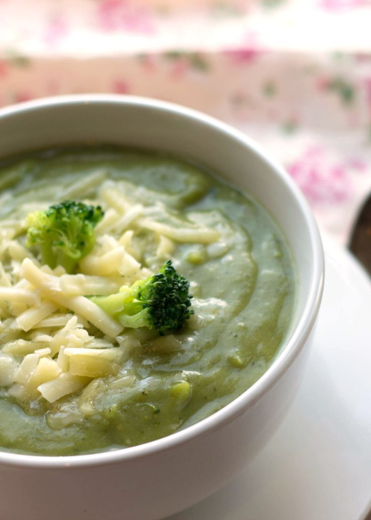 NO CREAM CREAMY BROCCOLI SOUP - Erren's Kitchen - A quick, easy and super delicious recipe for broccoli soup that won't leave you feeling guilty for finishing the whole bowl!