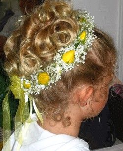 #flowergirl hair with yellow roses ... Wedding ideas for brides & bridesmaids, grooms & groomsmen, parents & planners ... https://itunes.apple.com/us/app/the-gold-wedding-planner/id498112599?ls=1=8 … plus how to organise an entire wedding, without overspe (hair style girl formal)