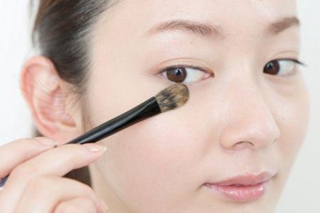 薄盛りメイクで目ヂカラUP!隠しアイラインのすごい効果|Daily Beauty Navi|Beauty & Co. (ビューティー・アンド・コー)
