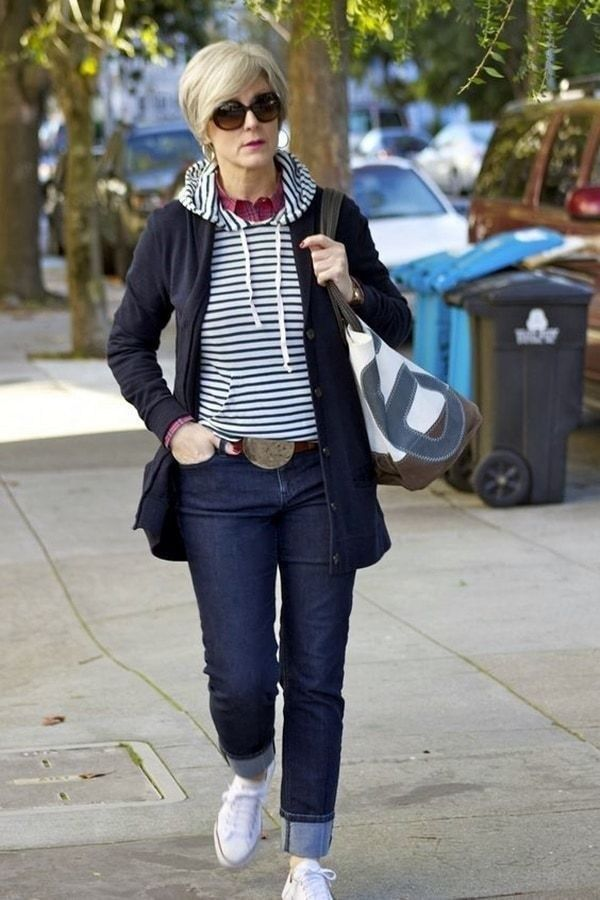 Gorgeous Fall Outfits For Women Over 40 Years Old 11