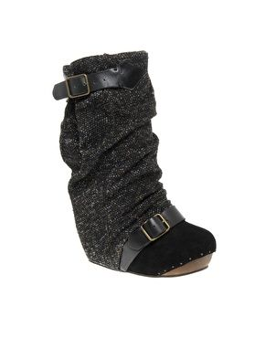 Ohhhh how I love boots!!!!!!            Irregular Choice Long Lashes Tweed Concealed Wedge Boots