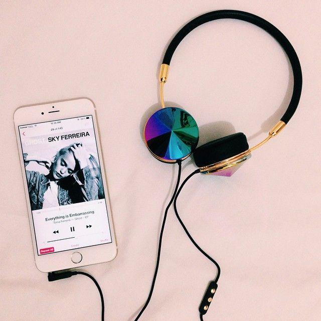 Hellen with the @frends Layla Oil Slick Headphones    Get the headphones: http://www.nastygal.com/product/Frends-Layla-Oil-Slick-Headphones?utm_source=pinterest&utm_medium=smm&utm_term=ngdib&utm_content=take_me_home&utm_campaign=pinterest_nastygal