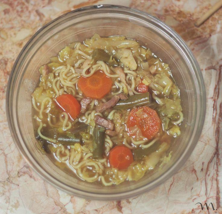 """Esta sopa la hice con la """"Crock-Pot"""" (olla de cocción lenta) pero también se puede hacer con una olla normal. Aquí dejo las dos versiones. ..."""