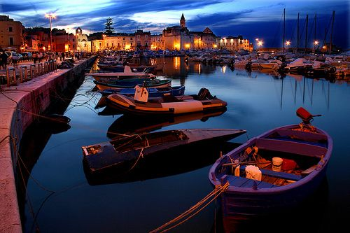 boatsPlaces To Visit, Beautiful Italy, Csodálato Italia, Favorite Places, Blue, Boats, Night Time, My Buckets Lists, Southern Italy