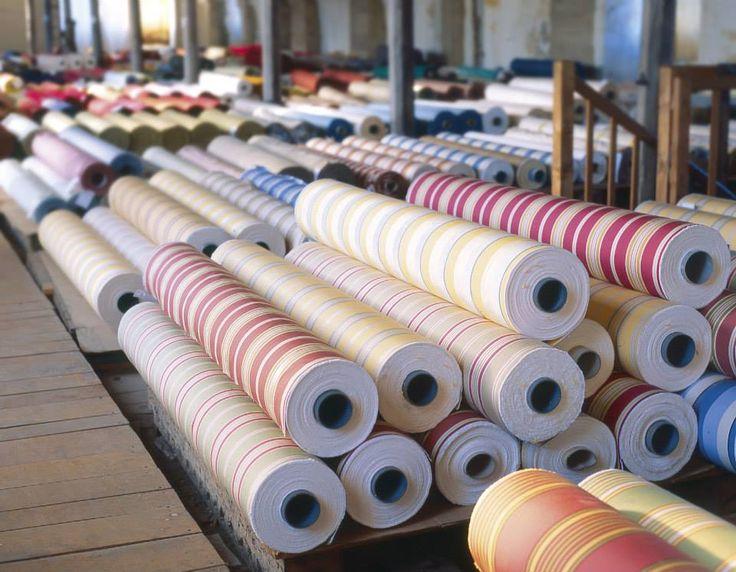stock de rouleaux de tissus dans l 39 usine toiles de mayenne. Black Bedroom Furniture Sets. Home Design Ideas