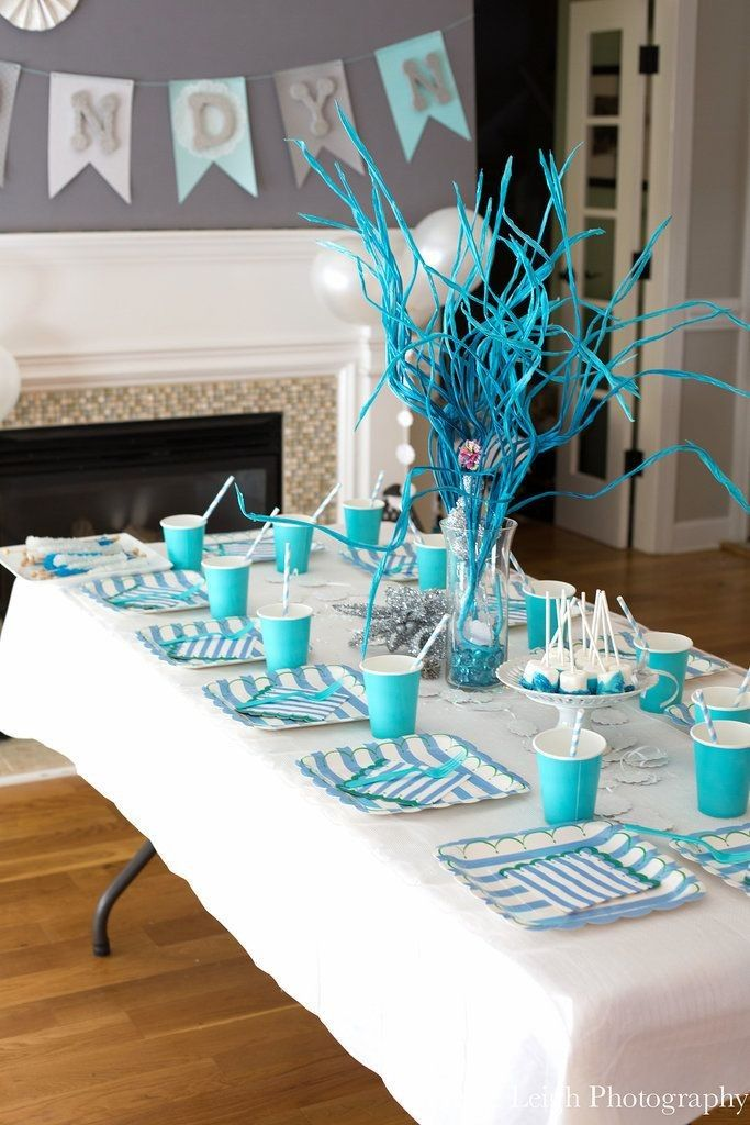 disney frozen party table ideas stripe plate blue tree for 2014 halloween disney - Frozen Halloween Decorations