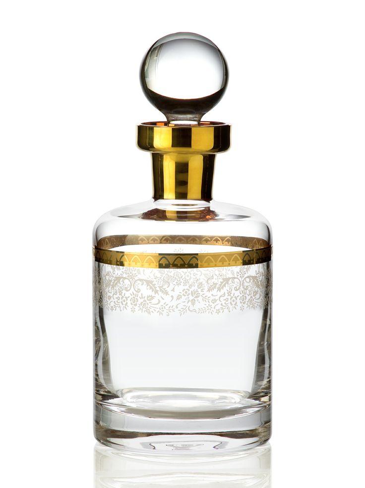 Bridal Gold Viski Şişesi / Whiskey Decanter #bernardo #tabledesign #glass #gold #scotch
