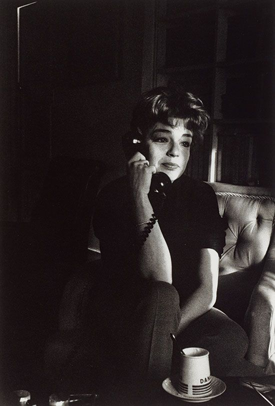 Simone Signoret, on the telephone, Paris, 1963 © Gisèle Freund
