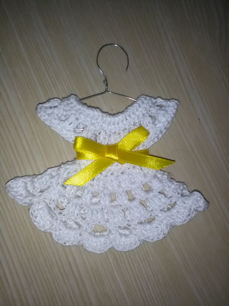 Handcrocheted bonbonniere,Dress with hanger bonbonniere,  Baptism bonbonniere,  Wedding bonbonniere,  Christening bonbonniere, Guest gift. by Lacasadellafata on Etsy