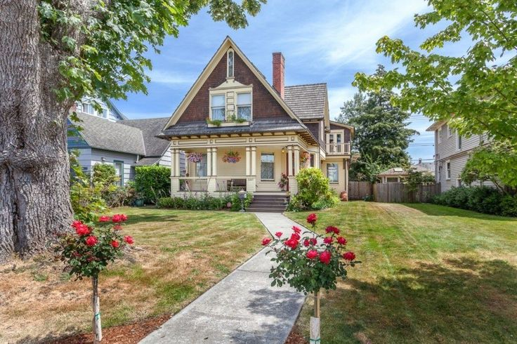 25 best ideas about historic homes for sale on pinterest for Pacific northwest houses
