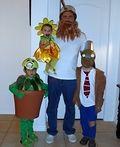 Plants vs. Zombies Family Costume - 2013 Halloween Costume Contest