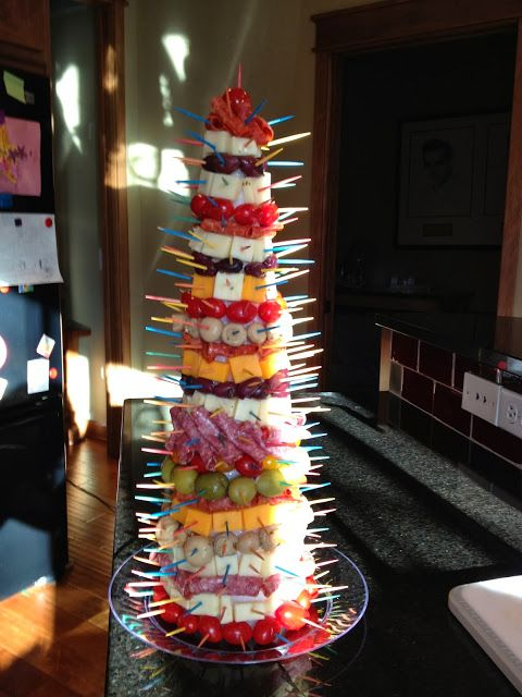 Whoa...wow!!  Christmas tree appetizer tower!