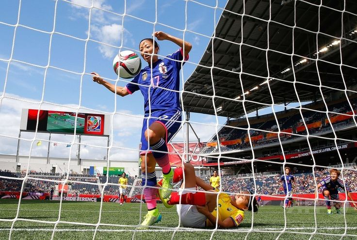 女子サッカーW杯カナダ大会・グループC、エクアドル対日本。先制点を決める大儀見優季(2015年6月16日撮影)。(c)AFP/Getty Images/Kevin C. Cox ▼17Jun2015AFP|日本、3連勝で決勝Tへ 女子サッカーW杯 http://www.afpbb.com/articles/-/3051809 #2015_FIFA_Womens_World_Cup #Group_C_Ecuador_vs_Japan