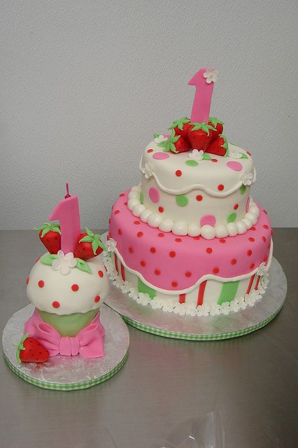 Strawberry Shortcake Cake and Smash Cupcake by Little Sugar Bake Shop, via Flickr