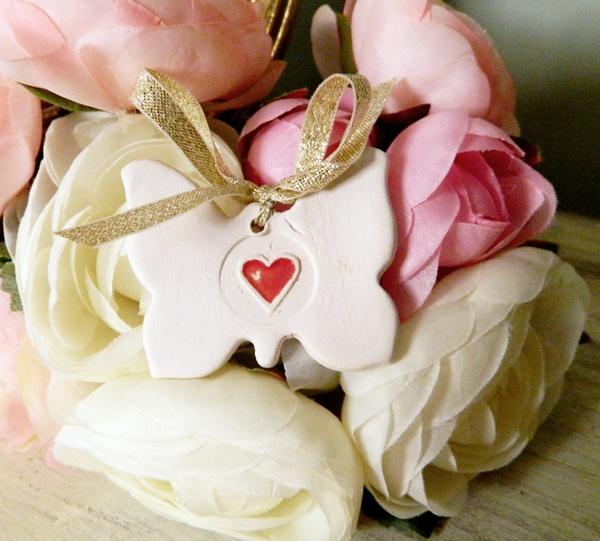 marturie White Butterfly de myweddingstory pe Breslo