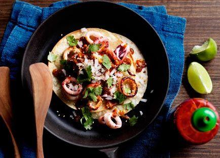 Calamari tacos with chilli sauce