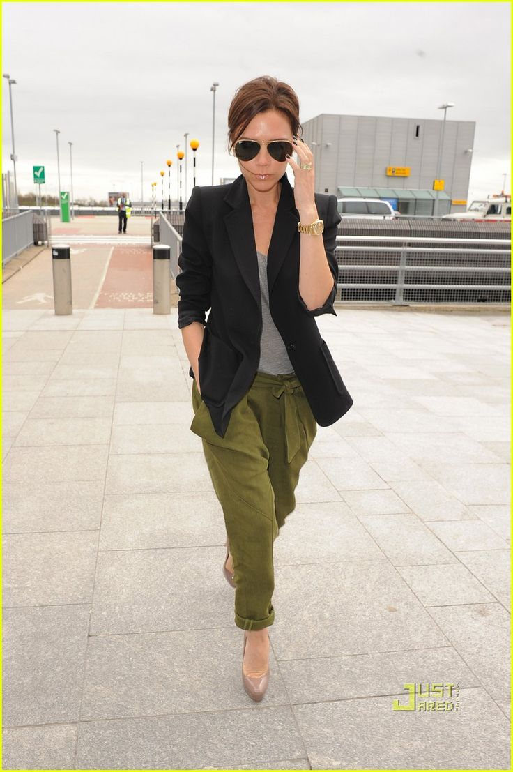 slouchy green pants. structured blazer.