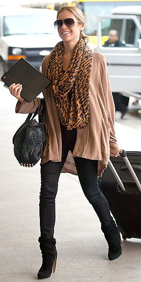 Love it!: Black Skinny, Airports Style, Airports Chic, Kristin Cavallari, Leopards Scarfs, Airports Outfits, Travel Style, Airports Fashion, Travel Outfits