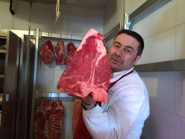 Simone Fracassi and his beloved chianina beef.