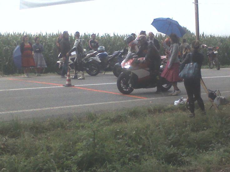 Le Miss affiancano i motociclisti