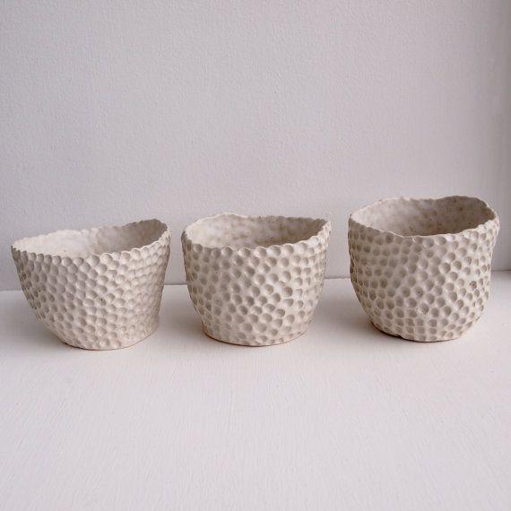 bianco ciotola di ceramica cerchio, ceramiche fatte a mano, ceramiche fatte a mano, ciotola di tutti i giorni, regalo unico, zuccheriera, fioriera ceramica, vasellame, ceramiche bianche