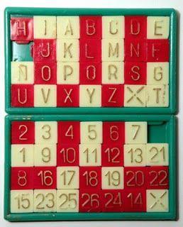 Estuche de fichas para hacer nombres y números.