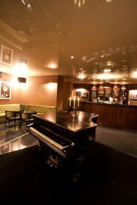 Belvedere Society Club Cluj-Napoca - șemineul din Conservatory.