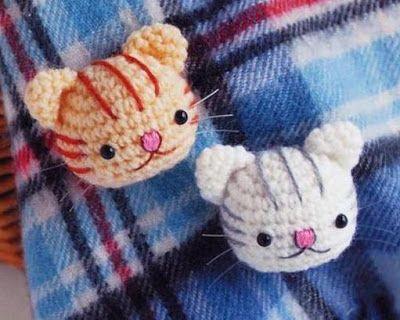 Amigurumi and you: Broches de gatitos