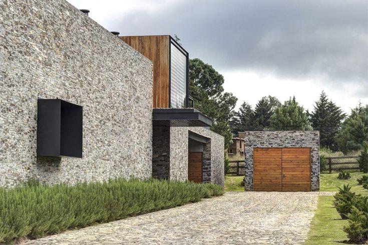 Moderne Architektur Casa VR in Mexiko von Elias Rizo